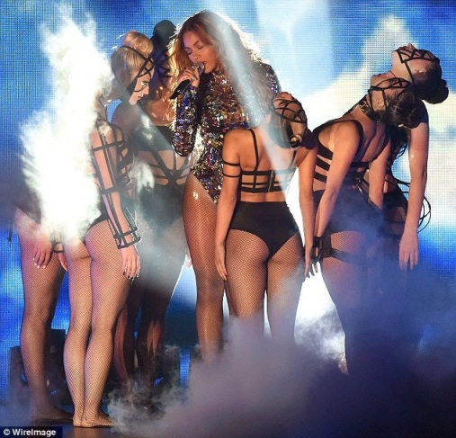 ozara gossip: Beyonce's performance at the 2014 VMAs Show