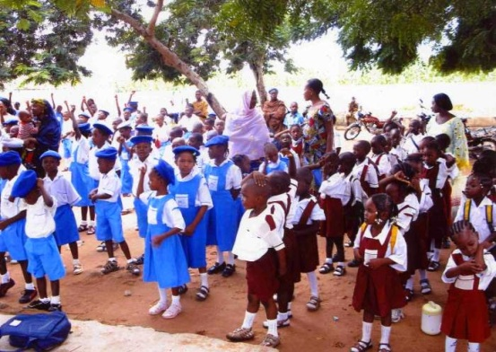 Teachers Slam FG's decision to reopen schools,threathen to go on strike - ozara gossip