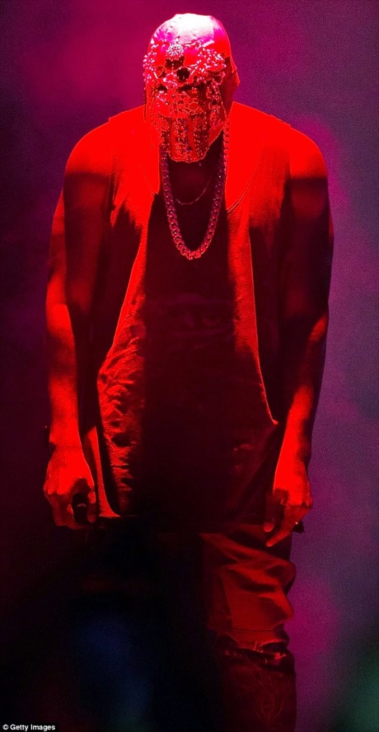 Kanye West Stops Sydney Concert, in Australia | ozara gossip