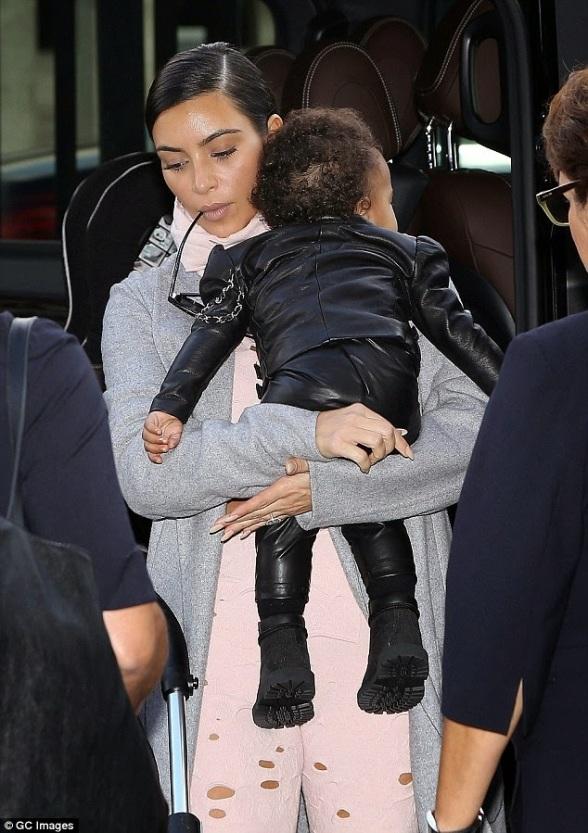 Kim Kardashian and North West - ozara gossip