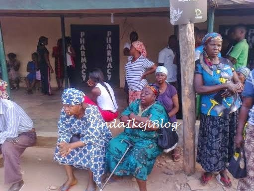 women crying at the pharmacy | ozara gossip