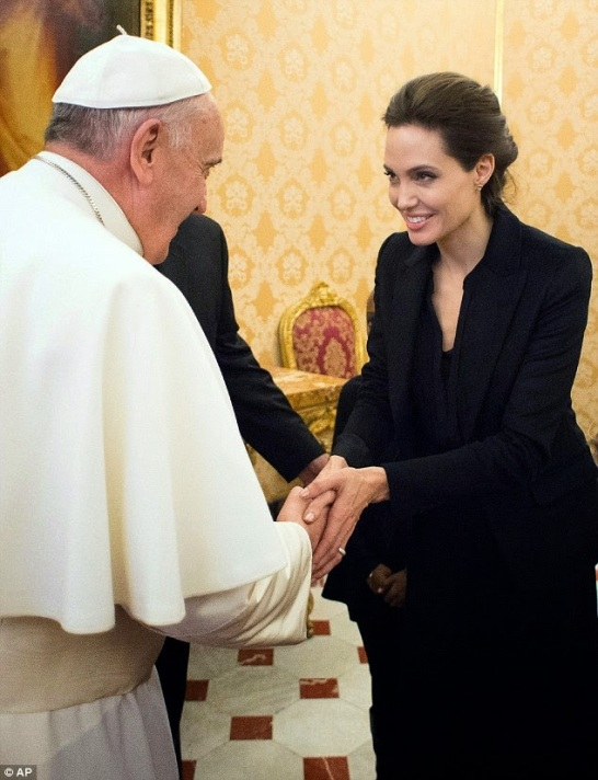 Angelina Jolie meets the Pope | ozara gossip