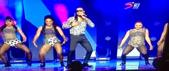 Flavour and dancers at Glo CAF Awards | ozara gossip