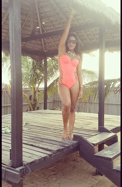 Emma Nyra - sexy bikini - ozara gossip